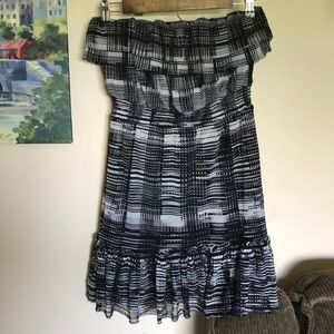 The Limited women's jr sz XS strapless dress euc
